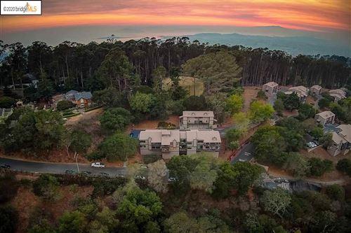 Photo of 103 Vista Heights Rd, EL CERRITO, CA 94530 (MLS # 40923347)