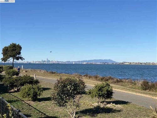 Photo of 2831 Sea View Pkwy, ALAMEDA, CA 94502 (MLS # 40930348)