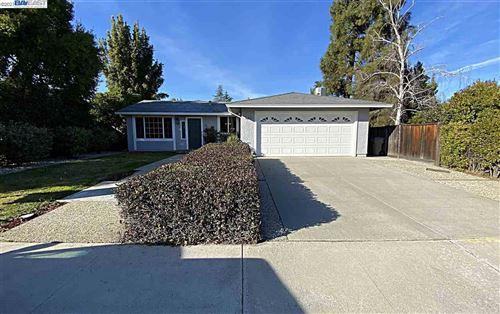 Photo of 1663 Merrill Loop, SAN JOSE, CA 95124 (MLS # 40934348)
