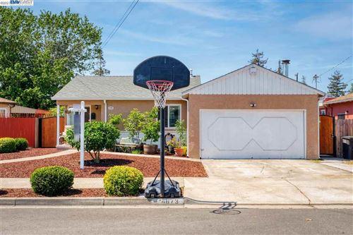 Photo of 24673 Tioga Road, HAYWARD, CA 94544 (MLS # 40953348)