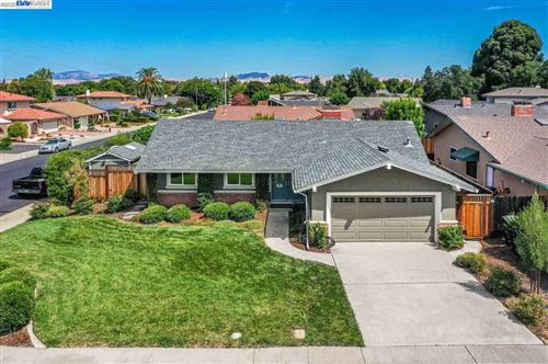 Photo of 422 Pismo Ct, LIVERMORE, CA 94550 (MLS # 40915352)