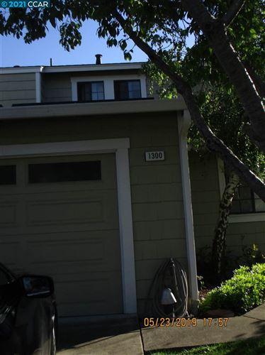 Photo of 1300 Black Oak Ct, PINOLE, CA 94564 (MLS # 40939353)