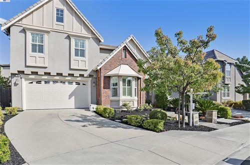 Photo of 184 Nanterre Street, DANVILLE, CA 94506 (MLS # 40965353)