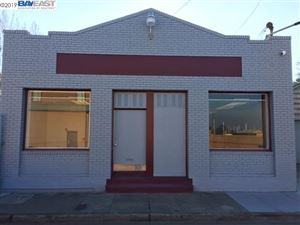 Photo of 2006 Clement Ave, ALAMEDA, CA 94501 (MLS # 40852357)