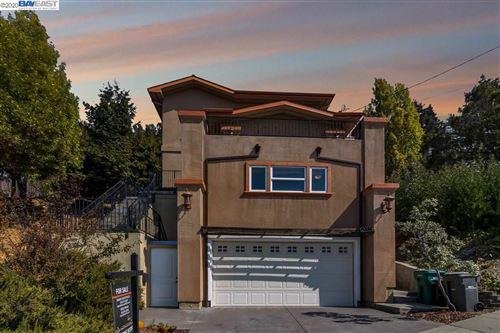 Photo of 6336 Buena Ventura Ave, OAKLAND, CA 94605 (MLS # 40922358)