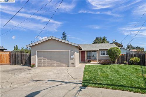Photo of 6617 Albyn Ct, NEWARK, CA 94560 (MLS # 40965358)