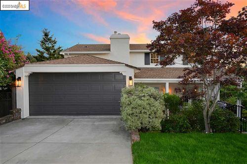 Photo of 715 Rosemount Rd, OAKLAND, CA 94610 (MLS # 40910359)