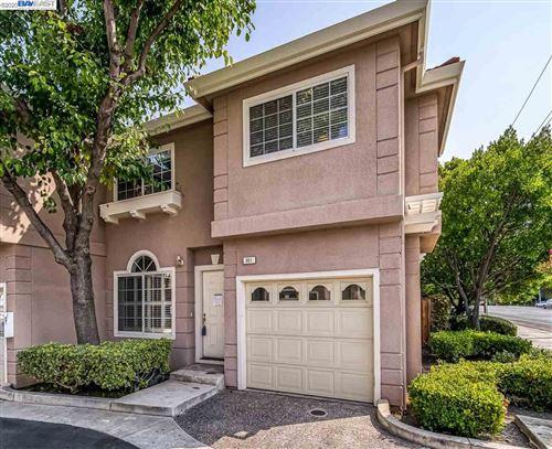 Photo of 801 Woodhams Oaks Pl, SANTA CLARA, CA 95051 (MLS # 40921359)