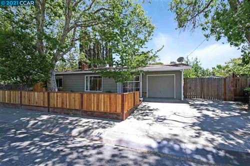Photo of 2380 Sunshine Dr, CONCORD, CA 94520-3629 (MLS # 40954360)
