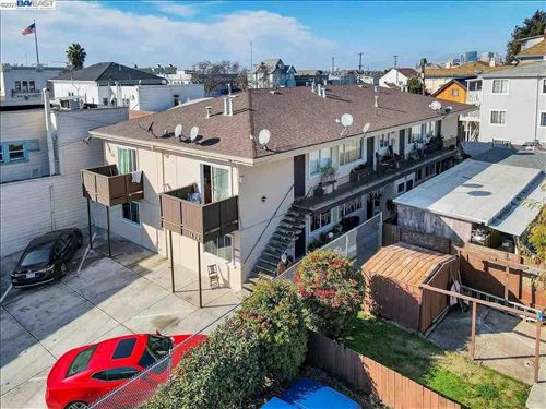 Photo of 1429 13Th Ave, OAKLAND, CA 94606 (MLS # 40940361)
