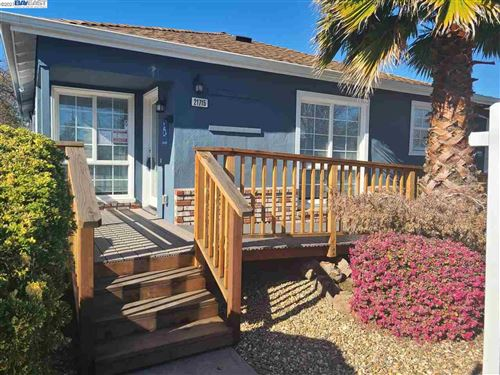Photo of 21715 Redwood Rd, CASTRO VALLEY, CA 94546 (MLS # 40935362)