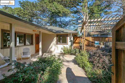 Photo of 6447 Melville Dr, OAKLAND, CA 94611 (MLS # 40896363)