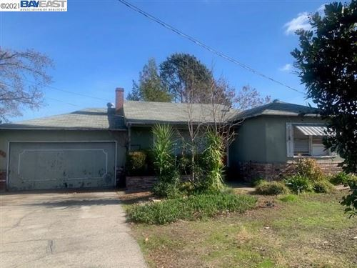 Photo of 129 Pioneer Ave, WALNUT CREEK, CA 94597 (MLS # 40934363)