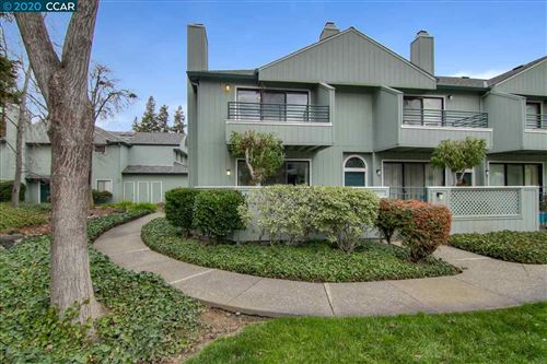 Photo of 222 Sunspring Ct, PLEASANT HILL, CA 94523 (MLS # 40892364)