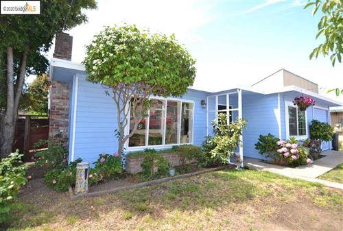 Photo of 438 Elmwood Ln, HAYWARD, CA 94541 (MLS # 40911364)