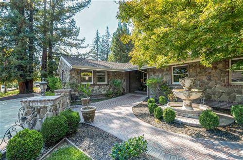 Photo of 2203 Granite Drive, ALAMO, CA 94507-1604 (MLS # 40966364)