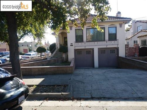 Photo of 531 58th Street, OAKLAND, CA 94609 (MLS # 40930367)
