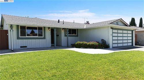 Photo of 34809 Begonia St, UNION CITY, CA 94587 (MLS # 40955367)