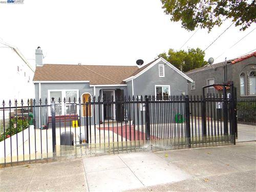 Photo of 1434 Havenscourt Blvd, OAKLAND, CA 94621 (MLS # 40961367)