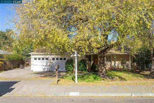 Photo of 1191 Camino Tassajara, DANVILLE, CA 94526 (MLS # 40930368)