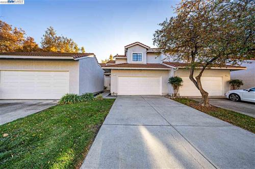 Photo of 321 Marie Cmn, LIVERMORE, CA 94550 (MLS # 40930370)
