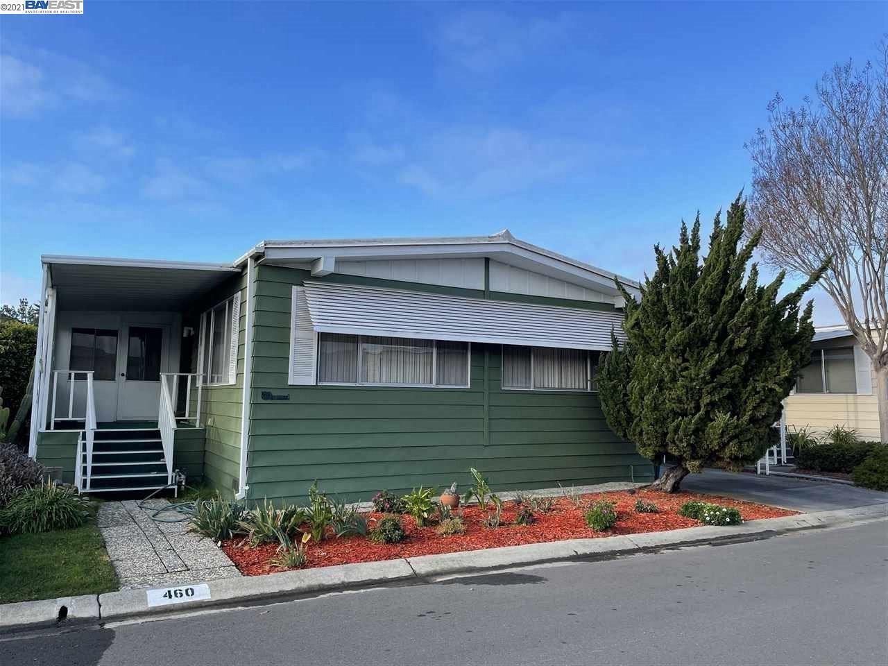 Photo for 460 Santa Monica, SAN LEANDRO, CA 94579 (MLS # 40935370)