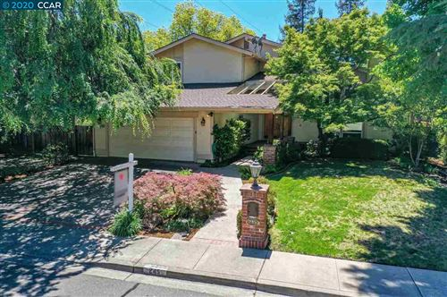 Photo of 245 Tamarisk Dr, WALNUT CREEK, CA 94598 (MLS # 40907371)