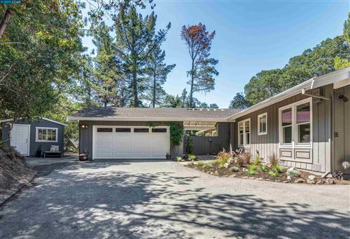 Photo of 22 Calvin Ct, ORINDA, CA 94563 (MLS # 40967372)