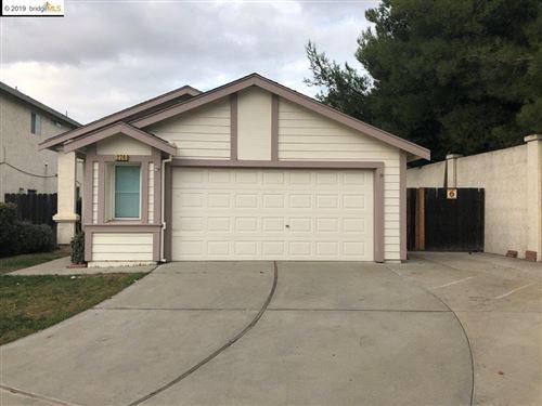 Photo of 274 Horizon Ct, OAKLEY, CA 94561 (MLS # 40889373)