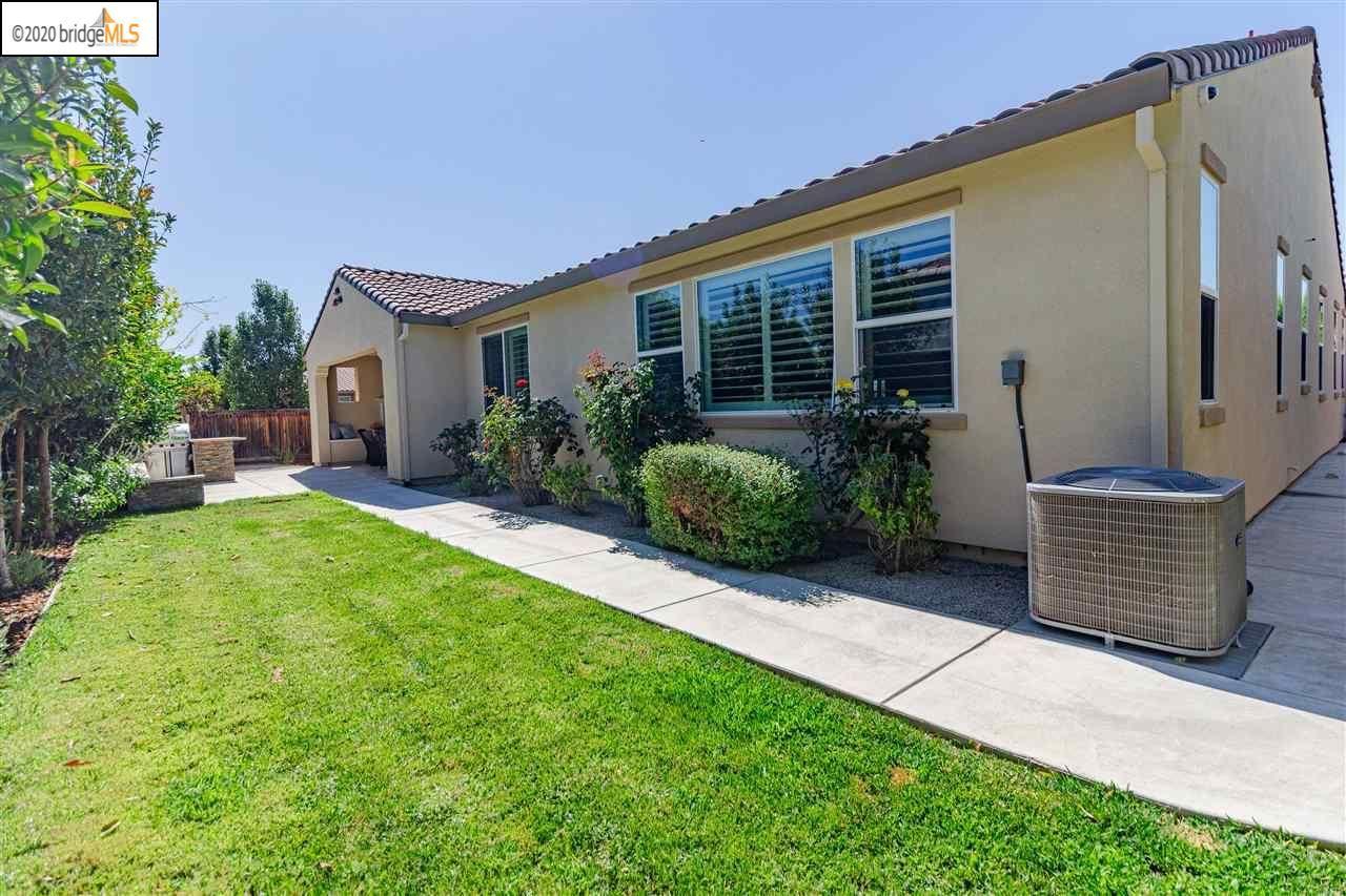 Photo of 1058 Steeple Blvd, BRENTWOOD, CA 94513 (MLS # 40915374)