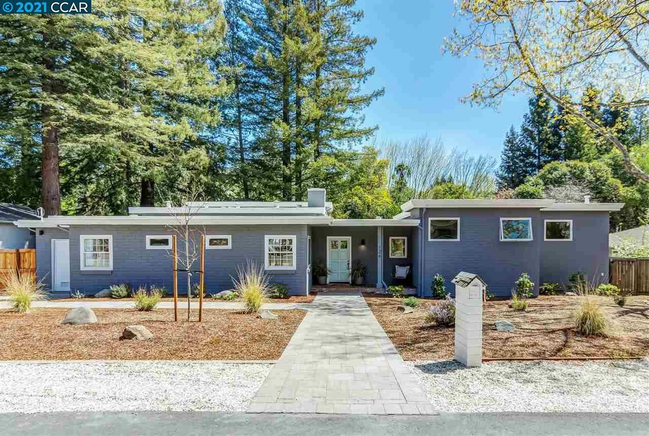 Photo of 126 Meadow Ln, ORINDA, CA 94563 (MLS # 40945375)
