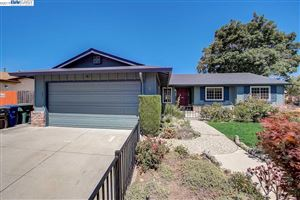 Photo of 1 Encina Place, PITTSBURG, CA 94565 (MLS # 40875376)