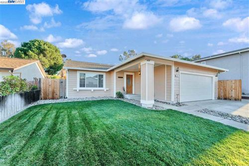 Photo of 57 Greensboro Way, ANTIOCH, CA 94509 (MLS # 40930376)