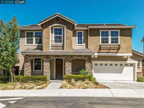 Photo of 310 Elworthy Ranch Cir, DANVILLE, CA 94526 (MLS # 40916377)