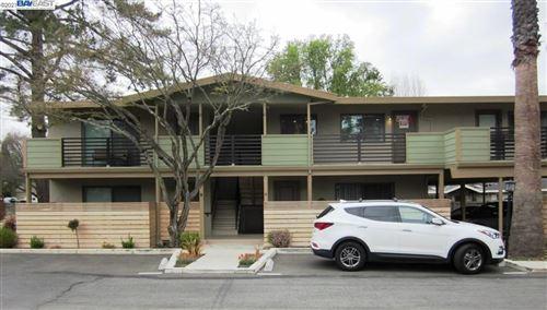 Photo of 50 Casa Maria Ct #B, ALAMO, CA 94507 (MLS # 40957377)