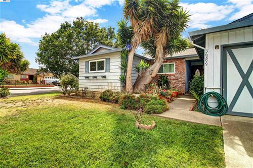 Photo of 36899 Oak St, FREMONT, CA 94536 (MLS # 40967378)