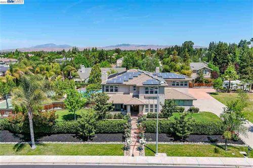 Photo of 336 Alden Ln, LIVERMORE, CA 94550 (MLS # 40948379)