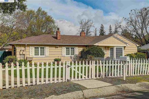 Photo of 3744 Sundale Rd, LAFAYETTE, CA 94549-3536 (MLS # 40903381)