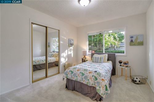Tiny photo for 195 Roan Dr, DANVILLE, CA 94526 (MLS # 40888382)