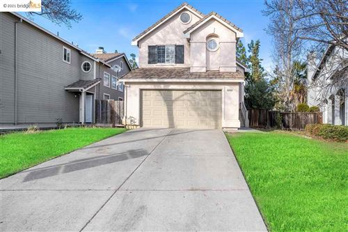 Photo of 5345 Woodside Way, ANTIOCH, CA 94531 (MLS # 40934382)