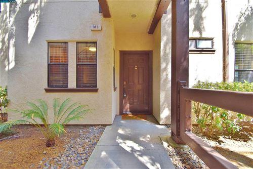 Photo of 310 N Villa Way, WALNUT CREEK, CA 94595 (MLS # 40965386)