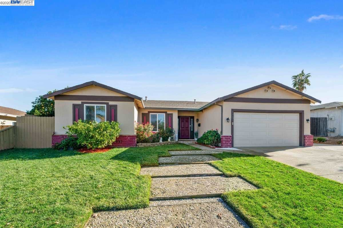 Photo for 1701 Lilac Ln, ANTIOCH, CA 94509 (MLS # 40930386)