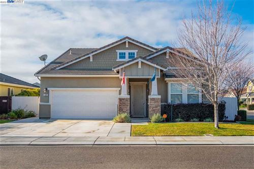 Photo of 1613 Luna Bella Ln, MANTECA, CA 95337 (MLS # 40935387)