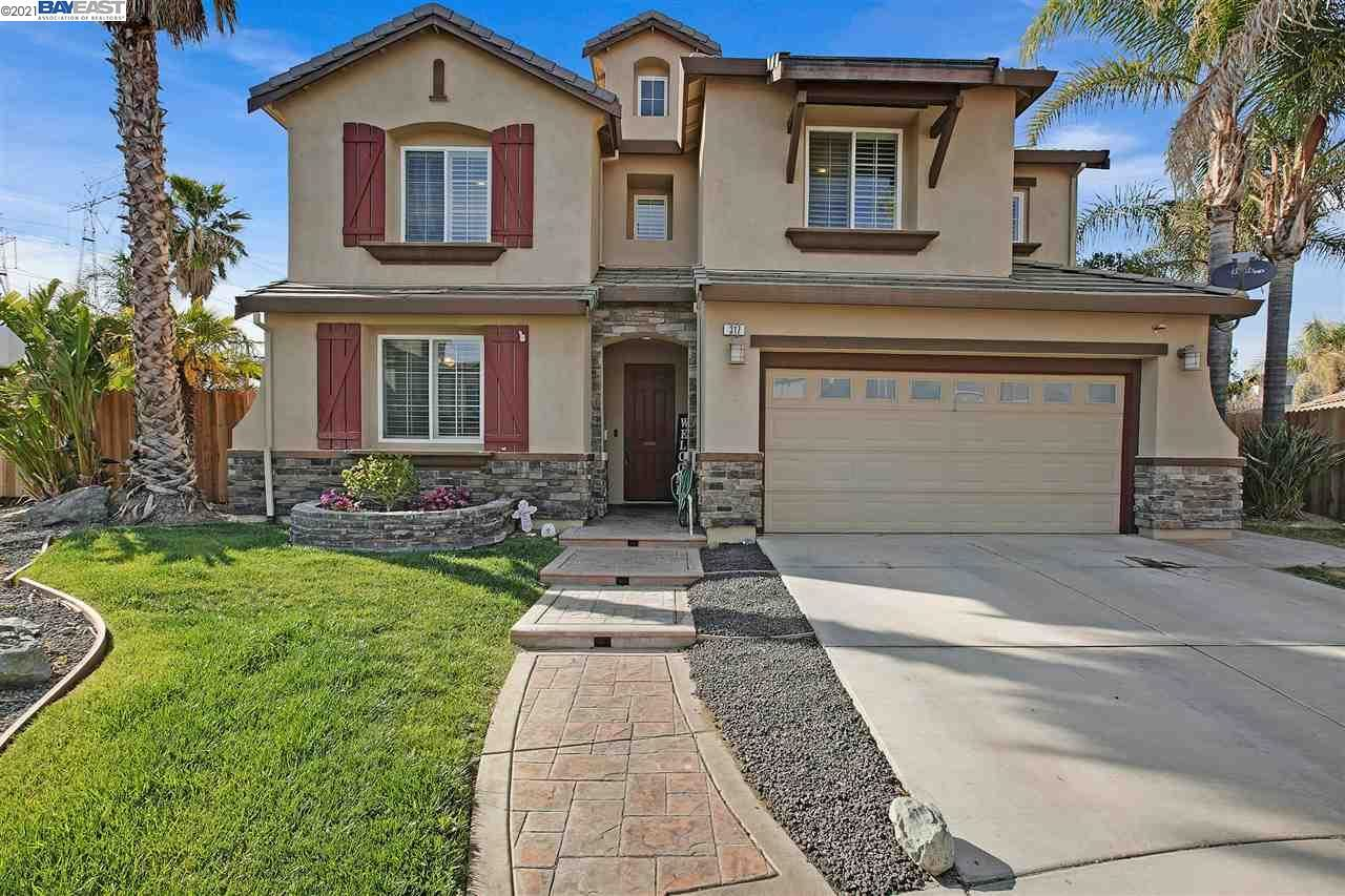 Photo of 317 Brighton Ct, DISCOVERY BAY, CA 94505-1829 (MLS # 40945392)