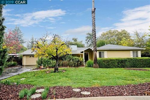 Photo of 1941 Keswick Ln, CONCORD, CA 94518 (MLS # 40890393)