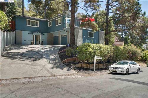 Photo of 17964 Vineyard Rd, CASTRO VALLEY, CA 94546 (MLS # 40911394)