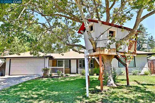 Photo of 336 Gloria Drive, PLEASANT HILL, CA 94523 (MLS # 40915394)