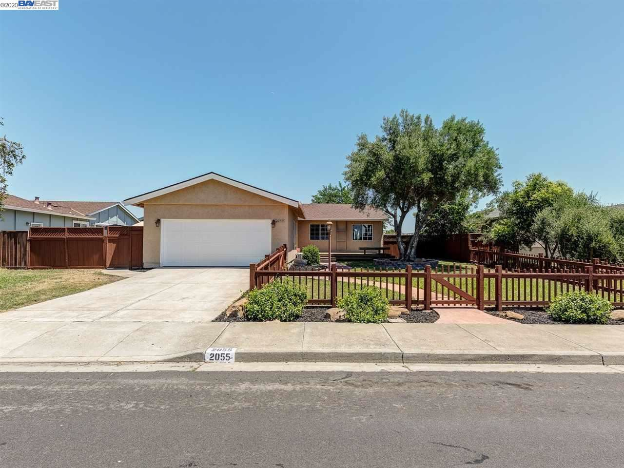 Photo for 2055 Buckskin Rd, LIVERMORE, CA 94551 (MLS # 40910394)