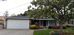 Photo of 940 Redondo Way, LIVERMORE, CA 94550 (MLS # 40823396)