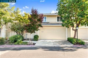 Photo of 204 Siskiyou Ct, WALNUT CREEK, CA 94598 (MLS # 40885398)